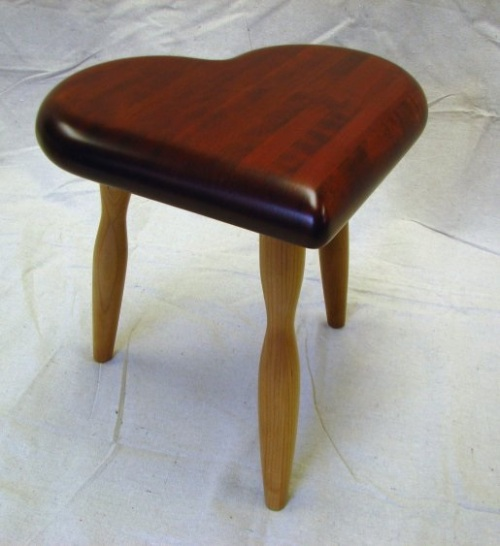 3 legged heart stool