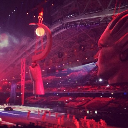 2014 SOCHI Terrifying sickle in opening ceremony
