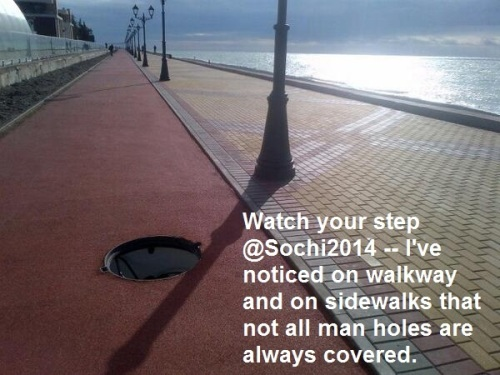 2014_02 01 SOCHI Man holes open