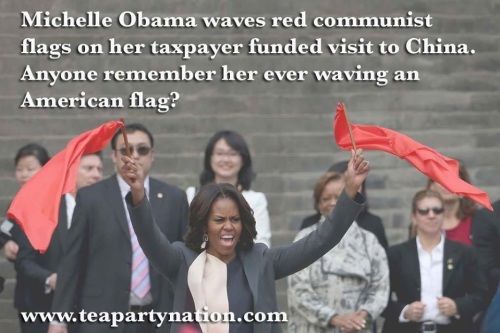 2014_03 Michelle Obama in China - waving flags