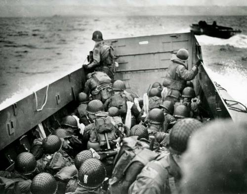 8480-19440606-wwii-coast-guard-landing-barge-ferries-troops-to-d-day-beach-france-na-26-g-2340-1024