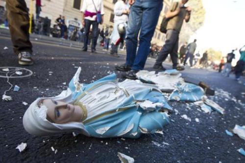 INDIGNATI: ROMA, DITRUTTA STATUETTA MADONNA IN VIA LABICANA