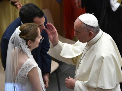 Pope Francis blessed marriage