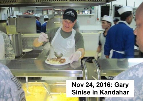2016_11-24-gary-sinise-in-kandahar