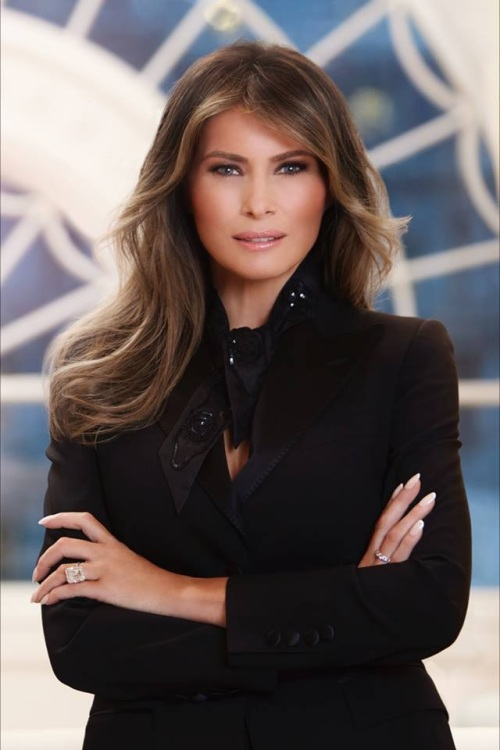 2017_04 First Lady Trump's official portrait