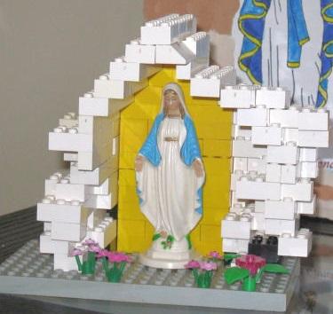 LEGO Mary
