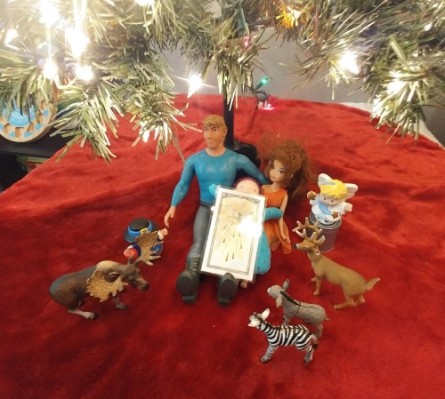 2017_12 09 Bunny's toy nativity