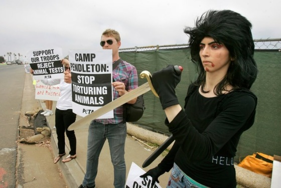 2018_04 YouTube shooter PETA activist