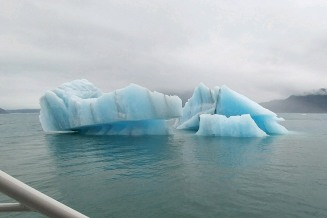 2018_07 27b Striped icebergs