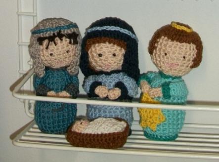 2018_12 crocheted nativity