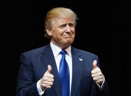Trump 2 thumbs up