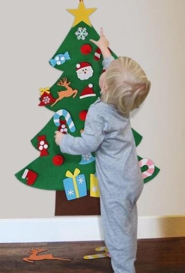 2019_12 06 felt christmas tree