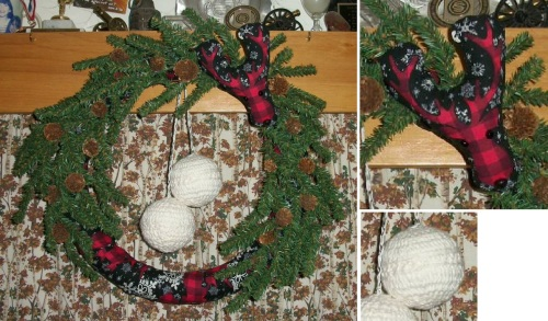 2019_12 14 Snowy moose wreath for K