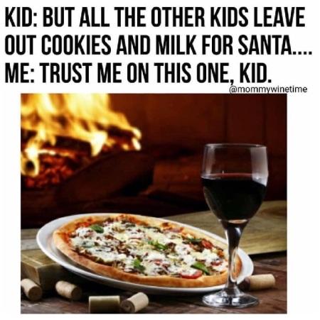 2019_12 24 Santa pizza wine