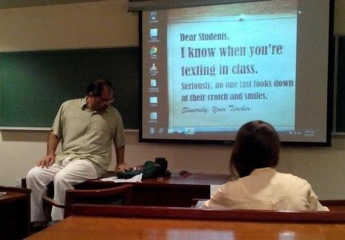 2020_01 20 TEACHER texting