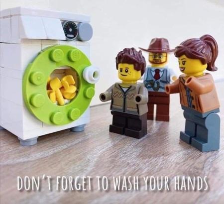 2020_04 18 LEGO wash hands